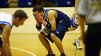 Basketball<br /> BLNO<br /> 22.10.2004<br /> Kongsberg Penguins v Harstad Vikings<br /> Foto: Morten Olsen, Digitalsport<br /> <br /> Hans-Thyge Solheim Hansen får seg en smell i øyet, men ingen foul dømmes