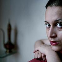 Nederland, Zaandam,21 augustus 2008..De Marokkaanse schrijfster Naima El Bezaz..n 2007 besloot zij een tijdlang de publiciteit te mijden vanwege bedreigingen aan haar gericht naar aanleiding van de maatschappijkritiek en expliciete seksualiteit in haar boek De verstotene. .The Moroccan writer Naima El Bezaz.