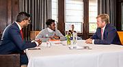 HAARLEM, 22-09-2020<br /> <br /> Bezoek van Koning Willem Alexander aan winnaar Appeltje van Oranje 2020 Bedrijf en Samenleving met het project Time2Shine