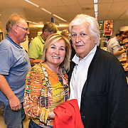 NLD/Rotterdam/20170825 - Boekpresentatie Eddy Ouwens, Champagne zangeres Trudy Huysdens en partner Jack van Poll