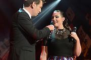 Caro Emerald krijgt de Radio 2 Mijlpaal tijdens een intiem optreden in TivoliVredenburg.<br /> <br /> Op de foto: Jan-Willem Roodbeen en Caro Emerald