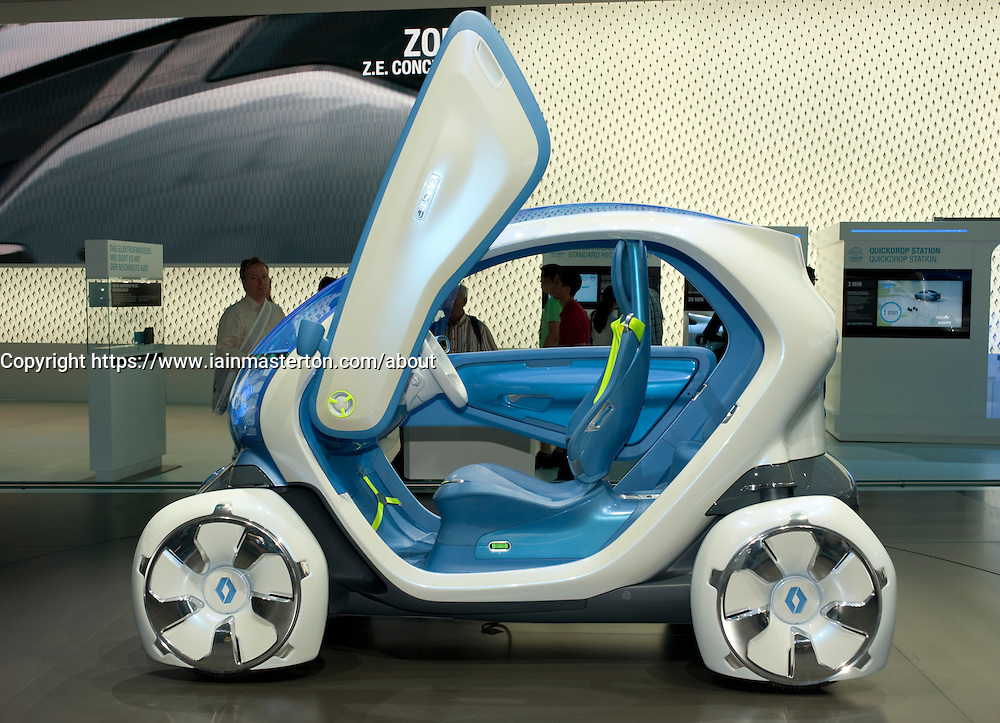 Renault Twizy ZE concept electric car at Frankfurt Motor Show 2009