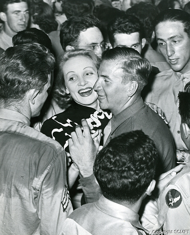 1943 Marlene Dietich at the Hollywood Canteen