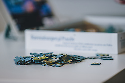 15.03.2020, Kaprun, AUT, Coronavirus in Österreich, Personen werden aus Sicherheitsgründen von der Regierung aufgefordert zu Hause zu bleiben im Bild Puzzleteile auf einem Tische // People are urged by the government for security reasons to stay at home. Puzzle pieces on a table, Kaprun, Austria on 2020/03/15. EXPA Pictures © 2020, PhotoCredit: EXPA/Stefanie Oberhauser