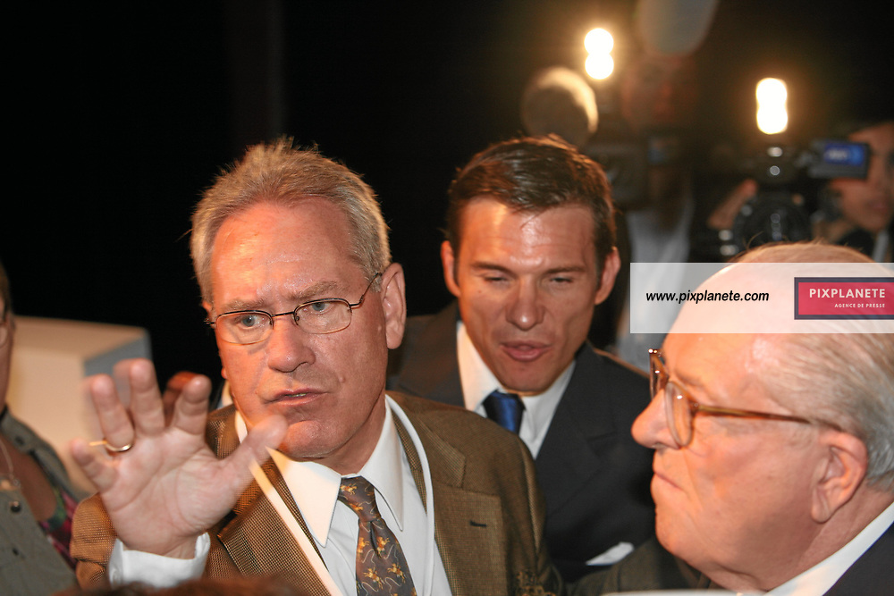 Election présidentielle - Paris, Salle Equinoxe QG du Front Nationale pour la soirée électorale du premier tour - Jean Marie Le Pen arrive en 4 ème position - Le 22/04/2007 - JSB / PixPlanete