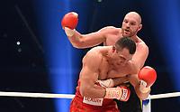 Boksing<br /> Tyskland<br /> 29.11.2015<br /> Foto: Witters/Digitalsport<br /> NORWAY ONLY<br /> <br /> v.l. Wladimir Klitschko, Tyson Fury<br /> Boxen, Schwergewichts-WM, Wladimir Klitschko (Ukraine) - Tyson Fury (England)