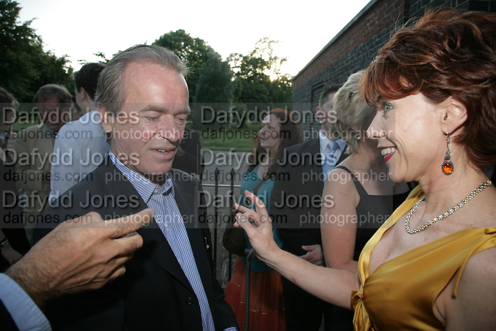 Martin Amis and Kathy Lette, Launch of Tina Brown's book 'The Diana Chronicles' hosted by Reuters. Serpentine Gallery. 18 June 2007.  -DO NOT ARCHIVE-© Copyright Photograph by Dafydd Jones. 248 Clapham Rd. London SW9 0PZ. Tel 0207 820 0771. www.dafjones.com.