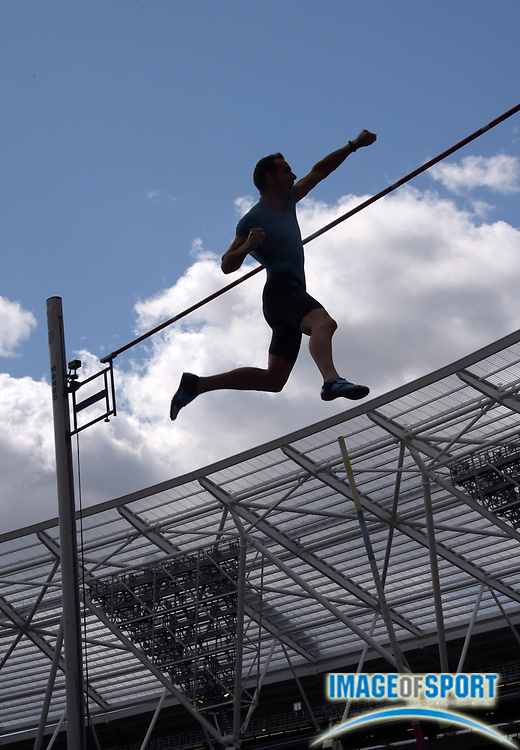 Jul 25, 2015; London, United Kingdom; Silhouette of Renaud Lavillenie (FRA) in the pole vault during the 2015 Sainsbury's Anniversary Games at Olympic Stadium at Queen Elizabeth Olympic Park. Lavillenie won with a meet and stadium record 19-9 1/4 (6.03m).
