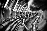 Metroen udbygges for 8, 6 milliarder kroner BV.: Metrobyggeriet. Bygning af Cityringen. Når den nye københavnske metrolinje åbner i december 2018, er der kommet 31 kilometer nye spor til, lagt 132.000 betonelementer, gravet 3 millioner tons jord op og brugt 1, 1 millioner tons beton. Her er vi inde i tunnelen, der 1. marts 2014 var 1, 5 kilometer lang.