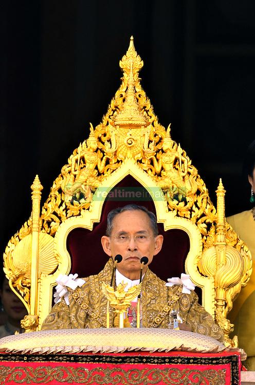 King Bhumibol, Queen Sirikhit and the Crown Prince Maha Vajiralongkorn appear on the balcony of the Chakri Mahaprasart Throne Hall inside the Grand Palace during the celebration of the King's 80th birthday in Bangkok, Thailand, on December 5, 2007. Photo by Patrick Durand/ABACAPRESS.COM    139169_12 Bangkok Thaïlande Thailand