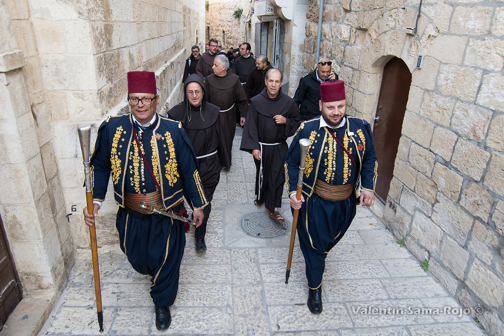 Jerusalem, Israel. 29th March, 2018. Two men dressed with the traditional turkish Guard leading the procession after the ceremony of Washing the Feet in the Cenacle in Jerusalem. © Valentin Sama-Rojo.