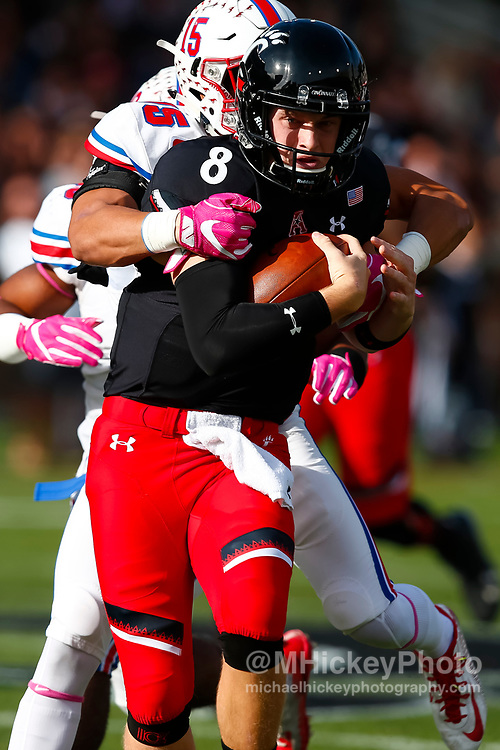 CINCINNATI, OH - OCTOBER 21: Hayden Moore #8 of the Cincinnati Bearcats runs the ball during the game against the Southern Methodist Mustangs at Nippert Stadium on October 21, 2017 in Cincinnati, Ohio. (Photo by Michael Hickey/Getty Images) *** Local Caption *** Hayden Moore