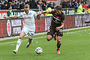 Fussball: 2. Bundesliga, FC St. Pauli - Holstein Kiel, Hamburg, 28.10.2018<br /> Jannik Dehm (Kiel, l.) - Daniel Buballa (Pauli)<br /> © Torsten Helmke