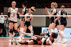 16.05.2019, Montreux, SUI, Montreux Volley Masters 2019, Deutschland vs Polen, im Bild Defense hassle between Elisa Lohmann (Germany #27) and Denise Imoudu (Germany #13) // during the Montreux Volley Masters match between Germany and Poland in Montreux, Switzerland on 2019/05/16. EXPA Pictures © 2019, PhotoCredit: EXPA/ Eibner-Pressefoto/ beautiful sports/Schiller<br /> <br /> *****ATTENTION - OUT of GER*****