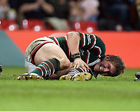 Photo: Rich Eaton.<br /> <br /> Cardiff Blues v Leicester Tigers. Heineken Cup. 29/10/2006. Ollie Smith clutches hiis left knee in great pain after a tackle by Blues Tom Shanklin