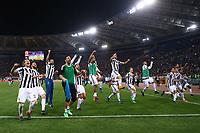 Juve festeggia la vittoria dello scudetto celebration Gianluigi Buffon e Massimiliano Allegri Juventus<br /> Roma 13-05-2018 Stadio Olimpico<br /> Campionato Serie A, <br /> AS Roma - Juventus<br /> Foto Matteo Ciambelli / Insidefoto