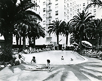 1954 Hollywood Plaza Hotel's swimming pool area