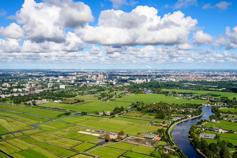 Nederland, Noord-Holland, Amsterdam, 27-09-2015; Middelpolder onder Amstelveen met zicht op Buitenveldert en Zuid-as vanaf de Amstel. Amstelpark in <br /> <br /> Buitenveldert neighborhood in the South of Amsterdam.<br /> luchtfoto (toeslag op standard tarieven);<br /> aerial photo (additional fee required);<br /> copyright foto/photo Siebe Swart