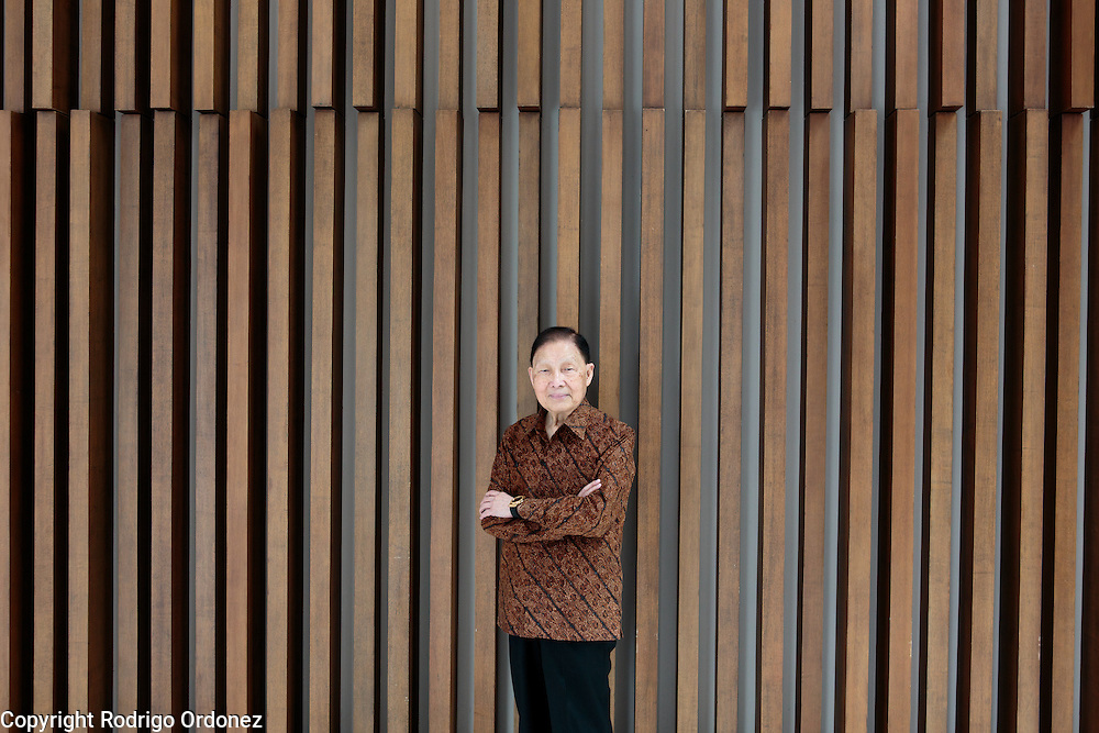 Mochtar Riady, founder and chairman of multinational conglomerate Lippo Group, poses for a photo in the lobby of the Mochtar Riady Institute for Nanotechnology in Lippo Karawaci, outside Jakarta, Indonesia, on February 3, 2016. (Photo: Rodrigo Ordonez) (Shot for Business Life, Financial Times)