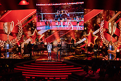 18-12-2019 NED: Sports gala NOC * NSF 2019, Amsterdam<br /> The traditional NOC NSF Sports Gala takes place in the AFAS in Amsterdam / Floor Jansen en Tim Akkerman, okt volleyball screen