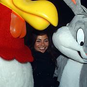 Start bouw Goliath Six Flags, Georgina Verbaan met de Loony Tunes