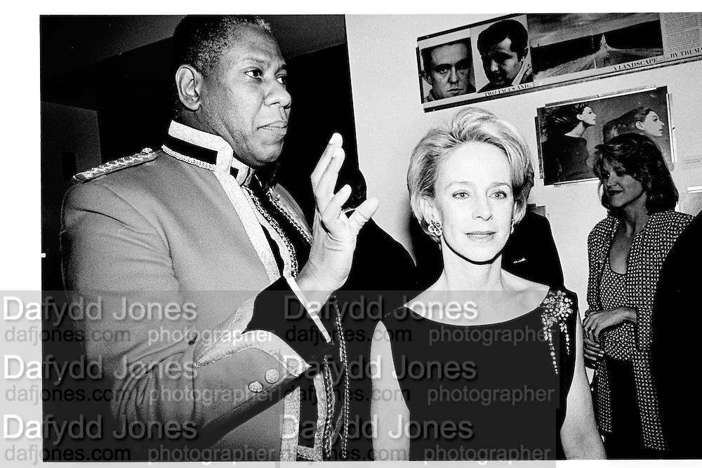 Andre Leon talley and Anne Bass, Costume Institute, Metropolitan Museum, 1993.New York. © Copyright Photograph by Dafydd Jones 66 Stockwell Park Rd. London SW9 0DA Tel 020 7733 0108 www.dafjones.com