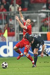 21-04-2010 VOETBAL: BAYERN MUNCHEN - OLYMPIQUE LYON: MUNCHEN<br /> Halve finale Champions League / Arjen Robben en  Jeremy Toulalan<br /> ©2010-FRH-nph / Straubmeier