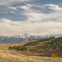 Cirrus clouds over Absaroka Mountains and Paradise Valley viewed from Trail Pass, near Bozeman, Montana.