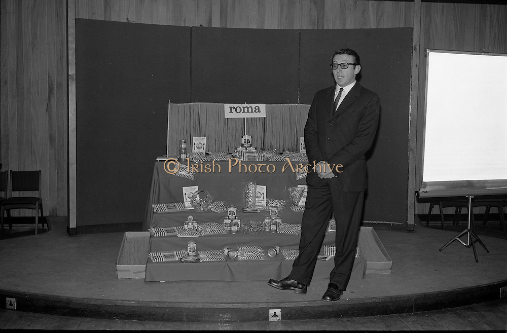 """17/09/1968<br /> 09/17/1968<br /> 17 September 1968<br /> Roma Foods launch new cookery competition at a reception in Liberty Hall, Dublin. The """"Great Pasta Recipe Competition"""" was sponsored by Roma Food Products Ltd. in conjunction with Alitalia Airlines and the Italian State Tourist Office. Picture shows Dr Francesco Landuzzi, Director of The Italian State Tourist Office, Dublin, speaking at the event. Roma Foods lancia una nuova competizione alla reception della Liberty Hall, 'La ricetta della miglior pasta""""."""