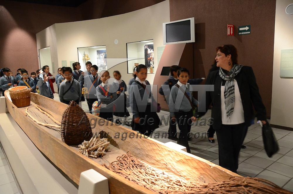 Toluca, México.- Estudiantes de primaria  de la ciudad de Toluca, acompañado de sus maestras visitaron el Museo de Antropología e Historia, ubicado en el Centro Cultural Mexiquense.  Agencia MVT / José Hernández