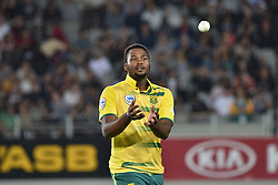 February 17, 2017 - Auckland, New Zealand - Andile Phehlukwayo of South Africa is in action during international Twenty20 cricket match between South Africa and New Zealand. (Credit Image: © Shirley Kwok/Pacific Press via ZUMA Wire)