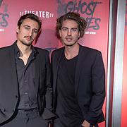NLD/Amsterdam/20191031 - Ghost Stories premiere, Dorian Bindels en goede vriend