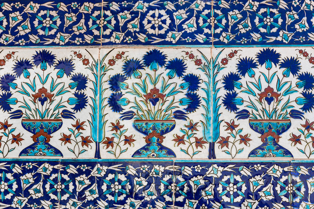 Ceramic tiles in floral design in Privy Chamber of Crown Prince in Topkapi Palace, Sarayi, in Istanbul, Turkey