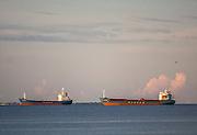 Statki na redzie portu gdyńskiego