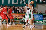 DESCRIZIONE : Siena Lega A 2008-09 Playoff Finale Gara 2 Montepaschi Siena Armani Jeans Milano<br /> GIOCATORE : Marco Carraretto<br /> SQUADRA : Montepaschi Siena<br /> EVENTO : Campionato Lega A 2008-2009 <br /> GARA : Montepaschi Siena Armani Jeans Milano<br /> DATA : 12/06/2009<br /> CATEGORIA : tiro<br /> SPORT : Pallacanestro <br /> AUTORE : Agenzia Ciamillo-Castoria/G.Ciamillo
