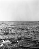 Grått hav så langt du ser.<br /> Foto: Svein Ove Ekornesvåg