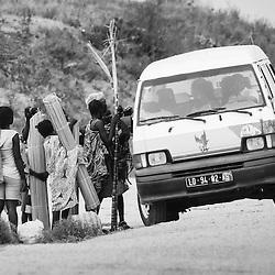 Candongueiro Interurbano (Taxi) , Sumbe > Luanda. Kwanza Sul. Angola