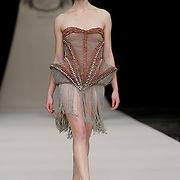 NLD/Den Haag/20091106 - Uitreiking Mercedes-Benz Dutch Fashion Awards 2009, modeshow Iris van Herpen