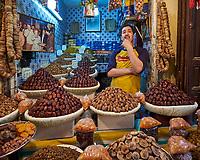 Date Shop in the Medina of Fes. Image taken with a Fuji X-T1 camera and Zeiss 12 mm f/2.8 lens (ISO 200, 12 mm, f/2.8, 1/30 sec).