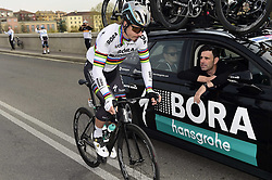 March 18, 2017 - San Remo, Italie - SANREMO, ITALY - MARCH 18 : SAGAN Peter (SVK) Rider of Team Bora - Hansgrohe at the teamcar during the UCI WorldTour 108th Milan - Sanremo cycling race with start in Milan and finish at the Via Roma in Sanremo on March 18, 2017 in Sanremo, Italy, 18/03/2017  (Credit Image: © Panoramic via ZUMA Press)