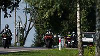 Zdjecie ilustracyjne N/z motocyklisci na DK16 z Augustowa do Sejn fot Michal Kosc / AGENCJA WSCHOD