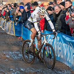 2019-12-27 Cycling: dvv verzekeringen trofee: Loenhout: Mathieu van der Poel chasing after some troubles in the beginning