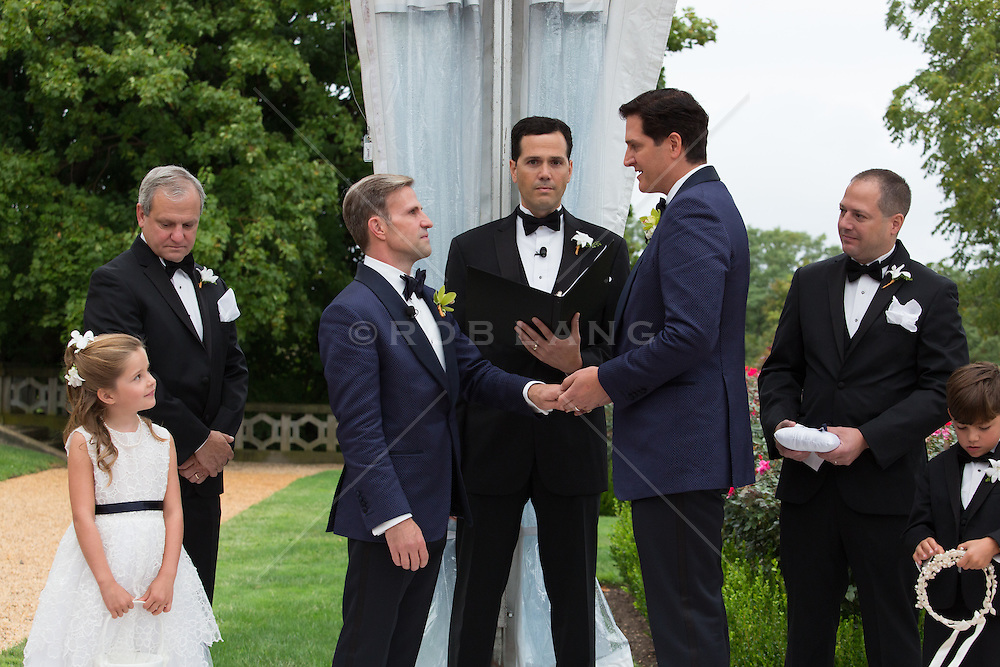 gay couple getting married gay couple getting married