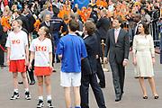 Koninginnedag 2010 . De Koninklijke familie in het zeeuwse  Middelburg. / Queensday 2010. De Royal Family in Middelburg.<br /> <br /> op de foto / on the photo Prins Pieter-Christiaan en Prins Bernhard en Prinses Anita