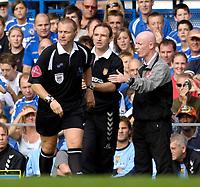 Photo: Daniel Hambury.<br />Chelsea v Aston Villa. The Barclays Premiership. 30/09/2006.<br />Villa's manager Martin O'Neill makes a point to referee Graham Poll.
