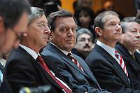 """26 OCT 2006, BERLIN/GERMANY:<br /> Jean-Claude Juncker, Premierminister Luxenburg, Gerhard Schroeder, SPD, Bundeskanzler a.D., und Guenter Berg,  Geschaeftsfuehrer Hofmann und Campe, (v.L.n.R.), waehrend einer Pressekonferenz zur Vorstellung seines Buches """"Entscheidungen. Mein Leben in der Politik"""", Willy-Brandt-Haus<br /> IMAGE: 20061026-01-015<br /> KEYWORDS: Gerhard Schröder, Autobiografie, Biografie, Buch, Günter Berg,"""