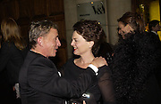 Jasper Conran and Lulu Guinness. British Fashion awards 2005. V. & A. Museum. Cromwell Rd. London.   10  November 2005 . ONE TIME USE ONLY - DO NOT ARCHIVE © Copyright Photograph by Dafydd Jones 66 Stockwell Park Rd. London SW9 0DA Tel 020 7733 0108 www.dafjones.com