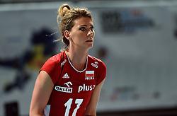 27-09-2015 NED: Volleyball European Championship Nederland - Polen, Apeldoorn<br /> Nederland verslaat Polen met 3-1 / Katarzyna Ewa Skowronska-Dolata #17