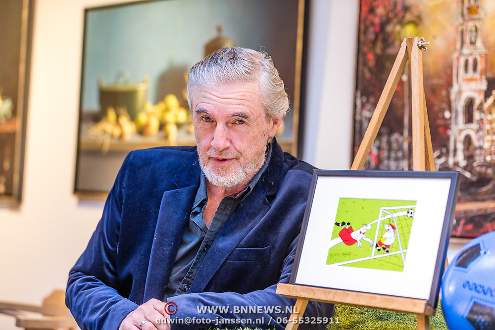 NLD/Hilversum//20170506 - Expositieopening FC Knudde en De Stamgasten, Toon van Driel