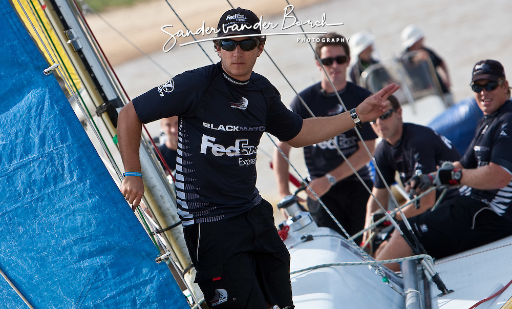 Bowman Nick Blackmann calls the line for Adam Minoprio (NZL) in the final of the Monsoon Cup 2009. Kuala Terengganu, Malaysia. 6 December 2009. Photo: Sander van der Borch / Subzero Images